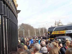 London Menschen am Buckingham Palace
